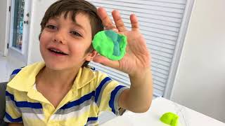 Zack  makes shapes with super soft modelling dough compound