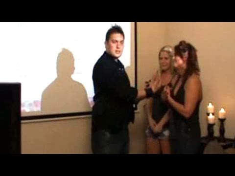How-To Start Conversations With Women (Full Seminar) 😎💬💃