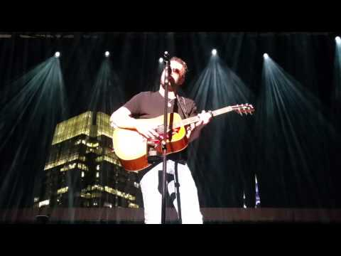 Eric Church - Sinners Like Me/Drink in My Hand (acoustic) Nashville,  TN (7/30/15)