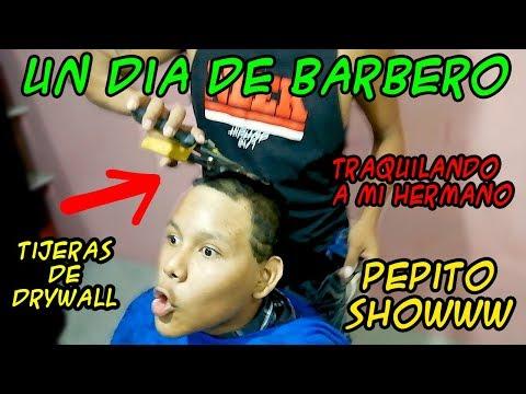 UN DIA DE BARBERO - Loco IORI ( corto el cabello  mi hermano con tijera de drywall )