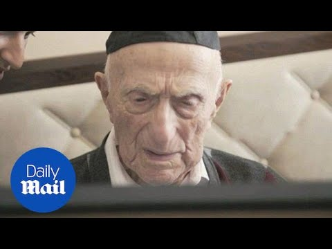 Holocaust survivor and world's oldest man dies in Israel aged 113 - Daily Mail
