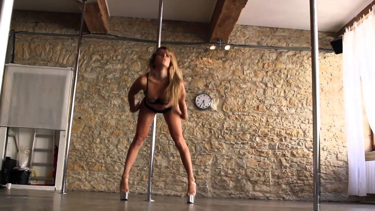 Sexy Girl Masturbating Solo