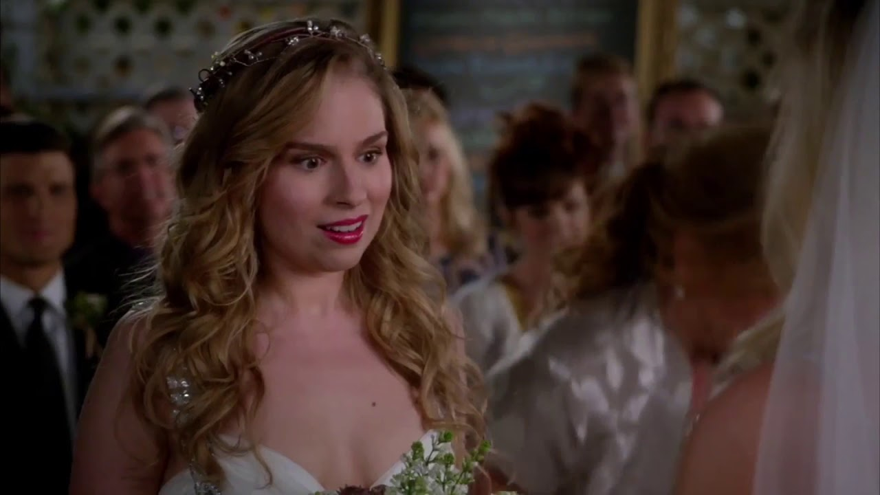 Download Lisa's And Malik's Wedding (4) - Suburgatory Best Bits