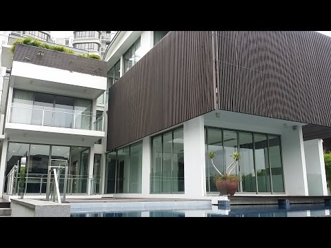 Singapore Luxury Bungalow for rent at Sentosa Coveway. Park up to 44 footer Private Yacht.