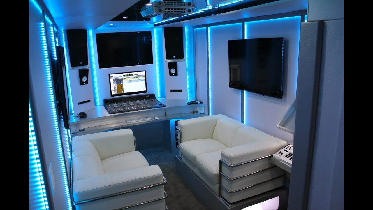 AVORZA EDITION RECORDING STUDIO ON WHEELS DONE FOR AKON BY