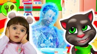 Папа попал в игру Мой Говорящий Том 2 | Арина играет в игру Мой виртуальный питомец
