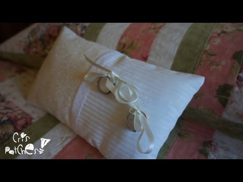 how-to-make-a-ring-cushion-/-ring-pillow-for-a-wedding.-patchwork