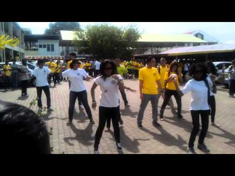 Suriname gangnam style-Lyco2