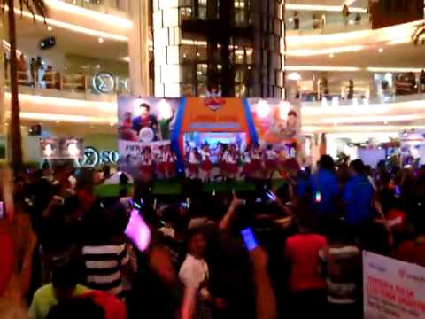 (FANCAM) JKT48 - Ponytail to Shushu @ Emporium Mall Pluit