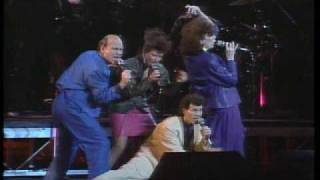 Manhattan Transfer Vocalies Live at Tokyo in Japan 1986.