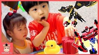 헬로 카봇 장난감 터닝메카드W 야시장 장난감놀이 ♡ 꾸러기 미니 유니 장난감 놀이 강아지 물고기 Kids Toy Market Play | 말이야와아이들 MariAndKids