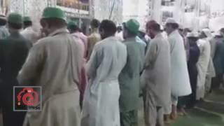 إمام باكستاني يصلي اسرع صلاة في التاريخ
