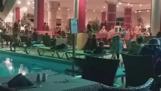 Восточный танец в итальянском ресторане отеля Aladdin Beach Resort, Хургада, Египет