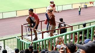 THE JAK MANIA BERSHOLAWAT DI STADION PATRIOT BEKASI