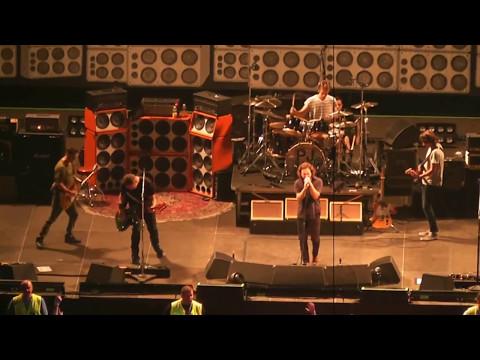 Pearl Jam - O2 Arena, Prague, 07.02.2012