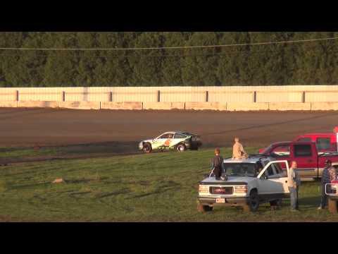 Hornet feature Cresco Speedway 5/31/15