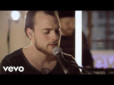 Ásgeir - Going Home - VEVO dscvr (Live)