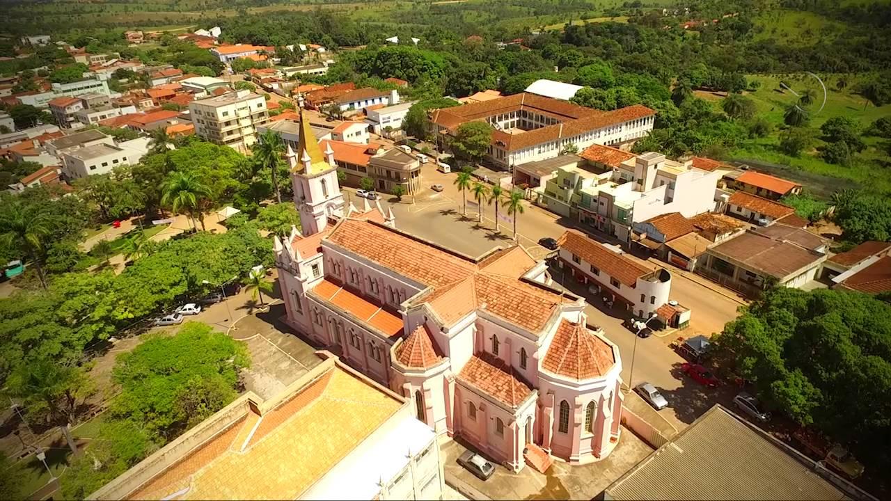 Dores do Indaiá Minas Gerais fonte: i.ytimg.com