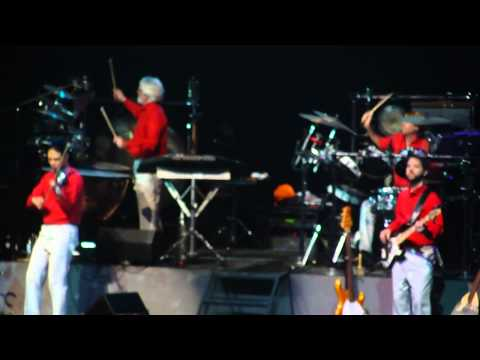 Deck the Halls - Mannheim Steamroller (Live) @ San Jose Civic Auditorium 11/27/2011