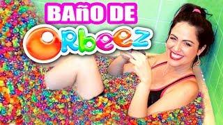 INUNDO EL BAÑO CON MILES de BOLITAS ORBEEZ! Mi Mamá se Molesta! BATH CHALLENGE - SandraCiresArt
