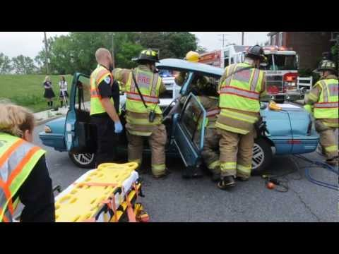 Lebanon Daily News- Mock DUI drill at Lebanon Catholic School.wmv