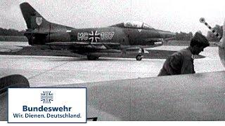 Classix: Düsenflugzeuge auf der Autobahn (1967) - Bundeswehr