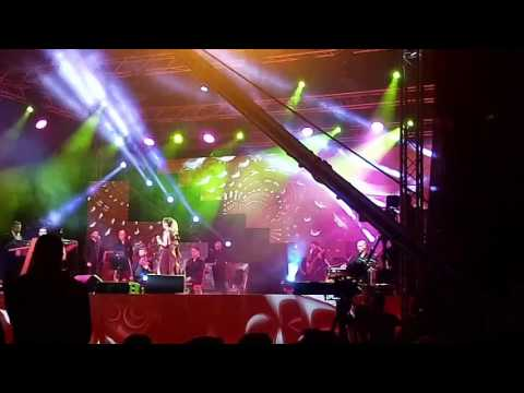 Nawal Al Zoghbi - Tewallaa (live) Algeria (La Coupole) 17/02/2017    نوال الزغبي - تولع( لايف)