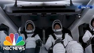 SpaceX's All-Civilian Inspiration4 Crew Orbiting Earth