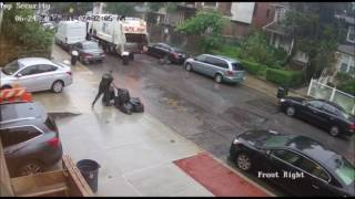 SHOCK VIDEO: Sanitation Worker In Boro Park Throws Bags BACK Onto Property