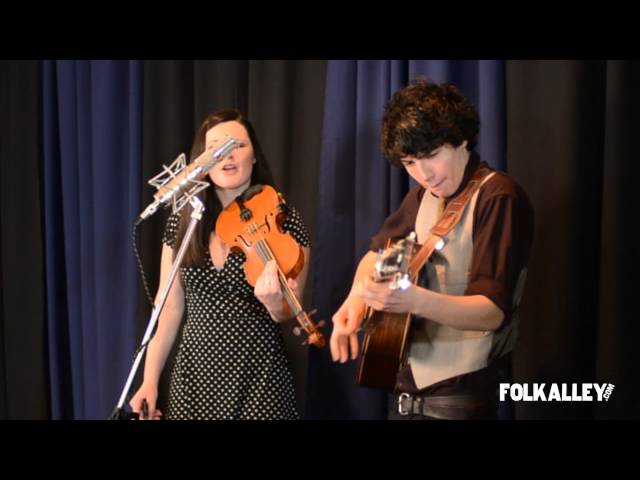 "Folk Alley Sessions: Qristina & Quinn Bachand - ""What You Do With What You've Got"""
