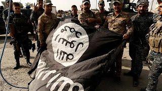 شاهد.. داعش تعلم أطفال الموصل استخدام السلاح