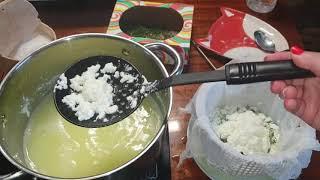 Как сварить адыгейский сыр//сыр из козьего молока с зеленью//мятная кухня