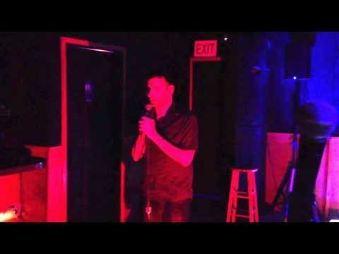 Djustin singing at Studs Lounge Noho #karaoke #studsloungenoho