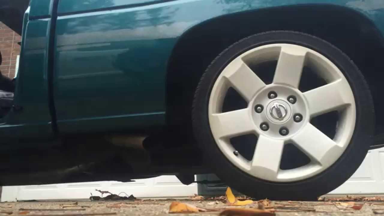 Loud Nissan Hardbody Cold Start Lowered On Titan Wheels