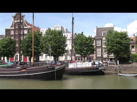 dordrecht-de-oude-binnenstad-klassieke-schepen