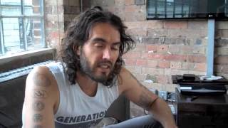 Repeat youtube video Is Fox News More Dangerous Than Isis? Russell Brand The Trews (E86)