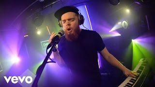 Jack Garratt - Worry in the Live Lounge