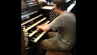 Short improvised organ crescendo YouTube Thumbnail