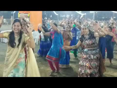 Signatures Dance : Navratri Utsav 2018 Day 1