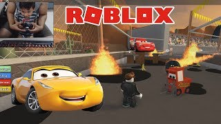 Children's play ? Disney Cars 3 Saving Lightning McQueen Roblox