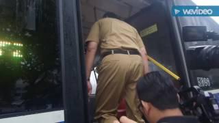 "Download Video (JES) Ahok Ketagihan Mainkan Klakson ""Telolet"" di Bus Transjakarta Vintage MP3 3GP MP4"