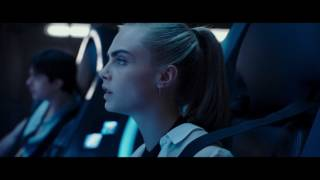 VALERIAN AND THE CITY OF A THOUSAND PLANETS - Leaving Exo-Space Clip