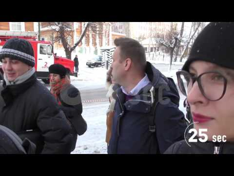 Проект 60sec №610. Алексей Навальный покинул здание суда под крики «Вор должен сидеть в тюрьме»