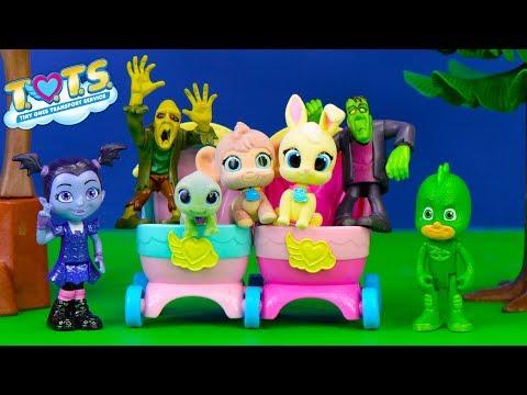 PJ Masks Gekko and Vampirina Babysit TOTS in Spooky Haunted House