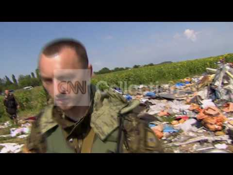 UKRAINE:MH17 CRASH SITE REMAINS UNSECURED