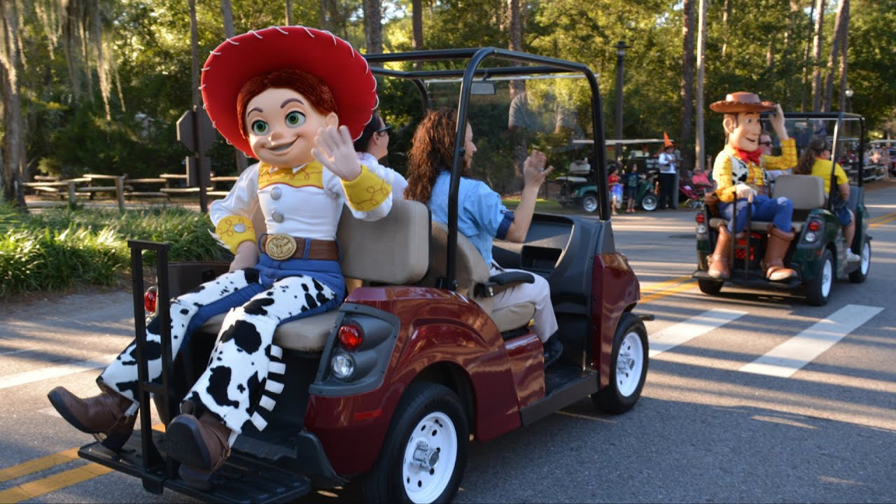 disneys fort wilderness halloween golf cart parade 2014 w woody jessie big hero 6 frozen youtube