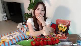 BJ요리쌤 후식 딸기 쿠크다스 마라아몬드새우믹스 집밥야…