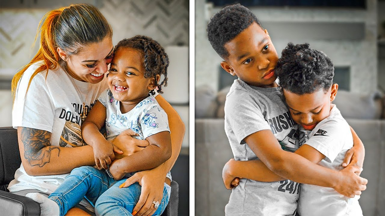 Download Mom CHOOSES FAVORITE KID, Siblings GET SAD | The Prince Family Clubhouse
