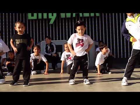 City Walk Performance with Zulu Dance Foundation