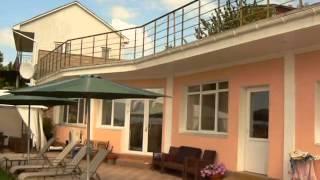 видео Отдых в Орловке, Крым: базы отдыха, гостиницы, отели, санатории, пансионаты, частный сектор